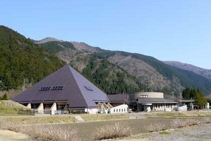 根尾谷地震断層観察館の写真