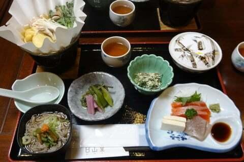 白山里の料理の写真