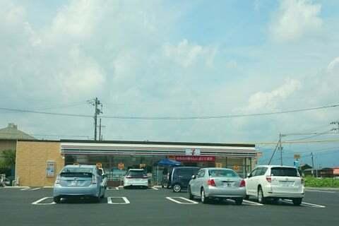 セブンイレブン垂井町表佐店の写真
