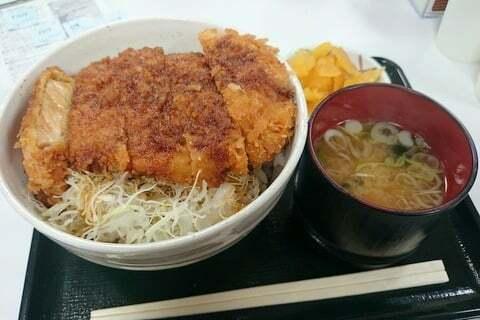 駒ヶ根サービスエリアのソースカツ丼の写真