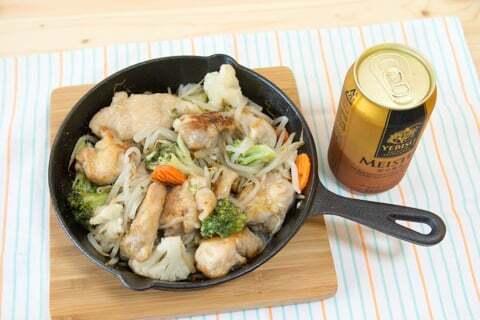 鶏肉と野菜の炒め物の写真
