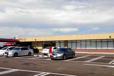 バロー寝屋川店の屋上駐車場の写真
