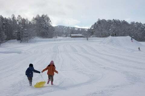 雪のそり遊びの写真