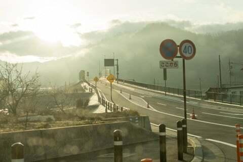 市川三郷身延線と六郷ICを結ぶ道路の写真