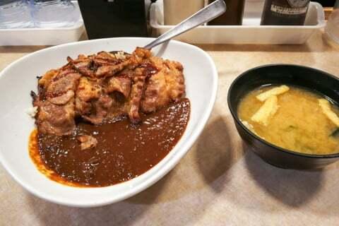 復刻焼き肉カレーの写真