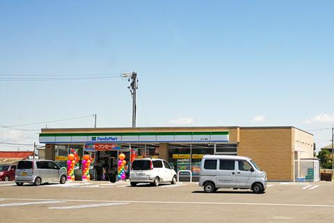 ファミリーマート安八大藪店の写真