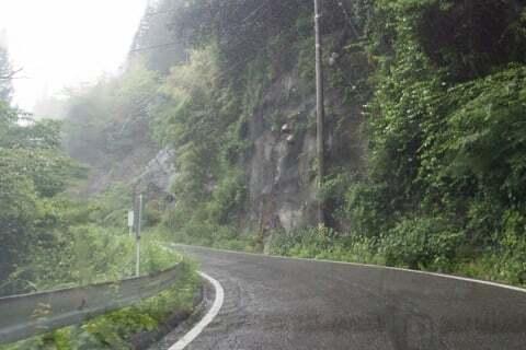 県道80号線最大の難関ポイントの写真
