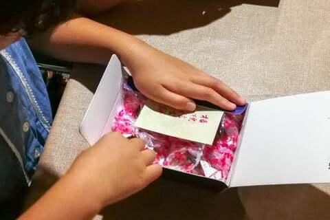 信玄餅の包装の写真