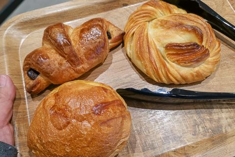 プロントの焼き立てパンの写真