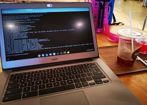 パソコン作業の写真