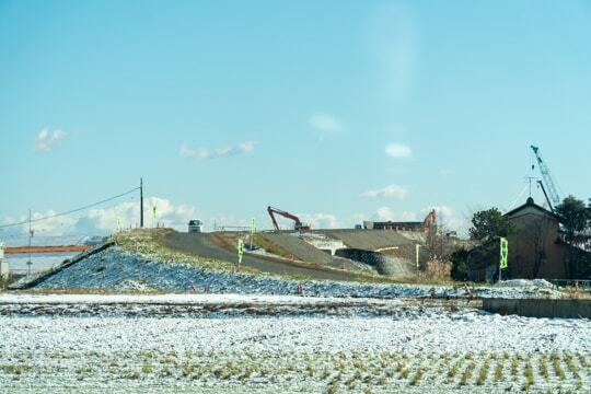 岐阜県側の接続道路の写真